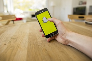 snapchat-ipo-cell-phone
